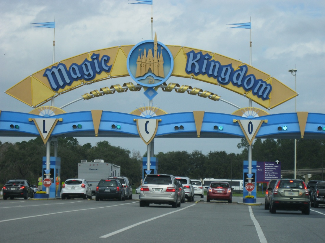 Off to the Magic Kingdom for a quick interview with a SB News Press Reporter who just happened to be vacationing in Orlando this week!