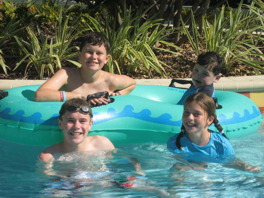 We spent our last full day in Florida at a nearby hotel to decompress and rest up before our long trip home to CA...we sat by the pool most of the day and enjoyed a couple of onsite activities like...