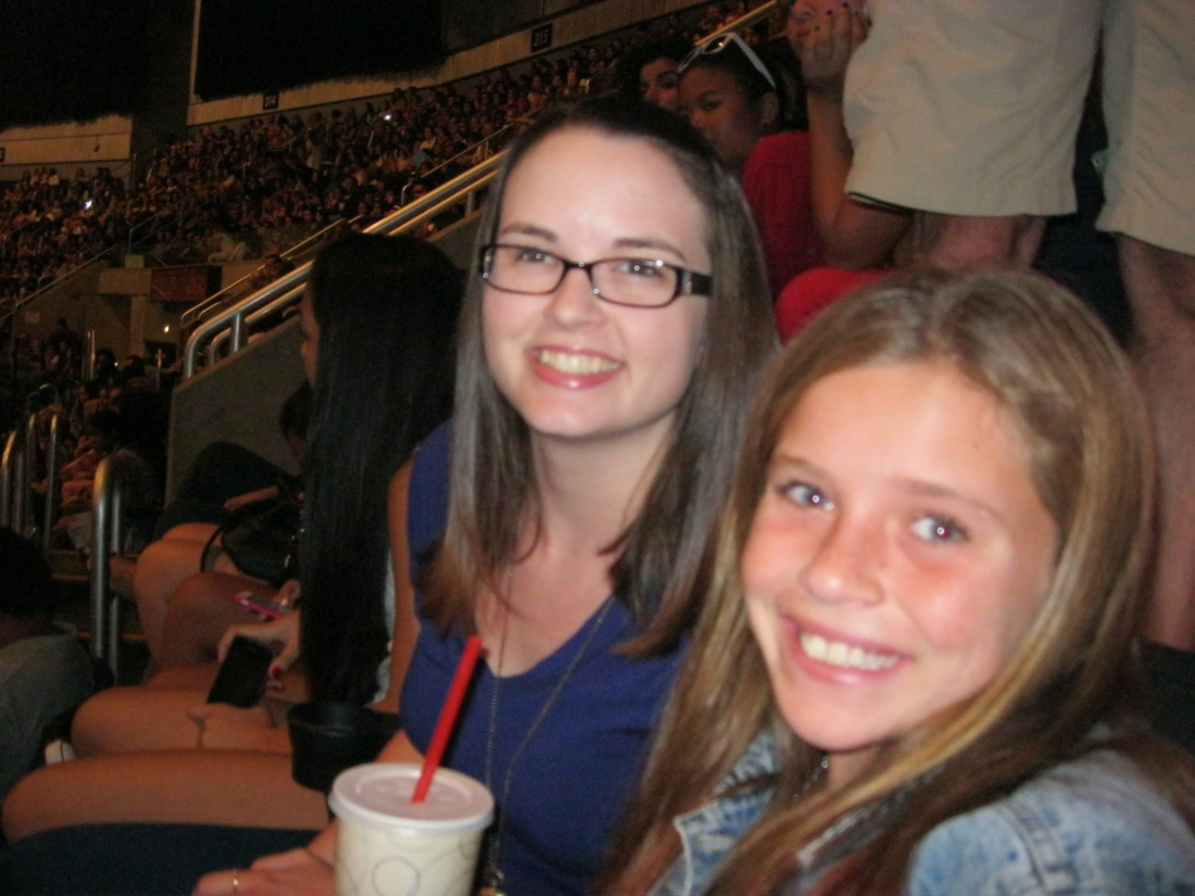 Livy's first BIG concert with friend Amy!  Woo Hoo!!