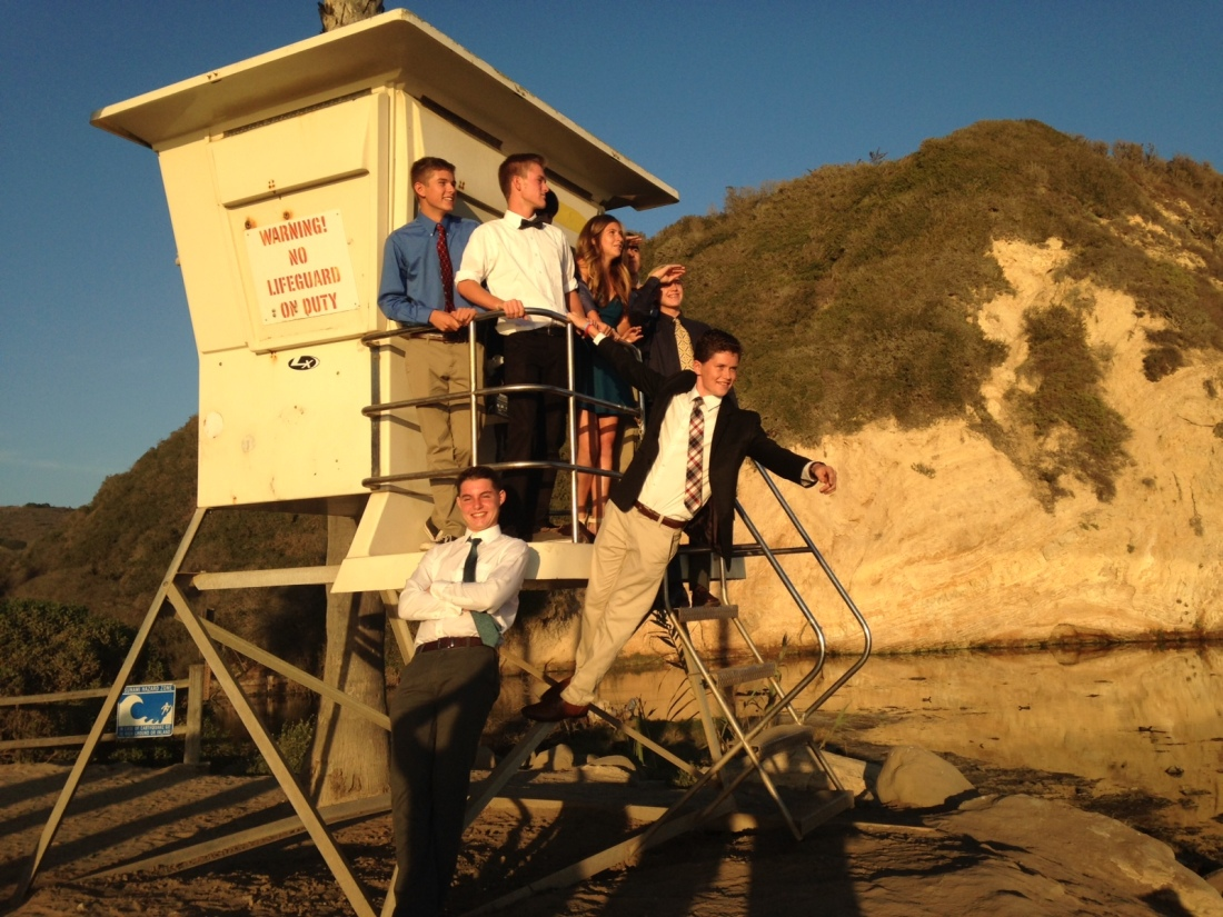 Homecoming fun continued on Saturday night with a pre-dance photo op at the beach with Max & friends!